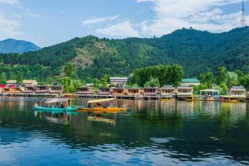 Famous Kashmir Holidays Package