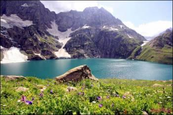 Kashmir Great Lakes Trek Tour