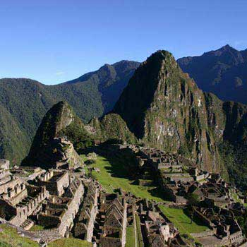 Peru Highlights: Cusco - Machu Picchu - Amazon Tour
