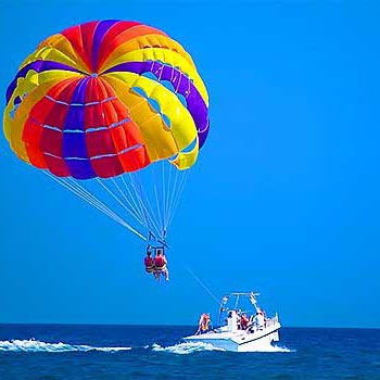 Parasailing In Roatan & West Bay Beach Tour