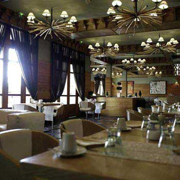Dinner At Club De L'oriental Restaurant Tour