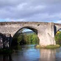 1 Day Tour: Stirling Castle, Loch Lomond and Whisky