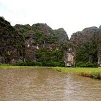 Ninh Binh – Tam Coc & Trang An Grottoes Tour