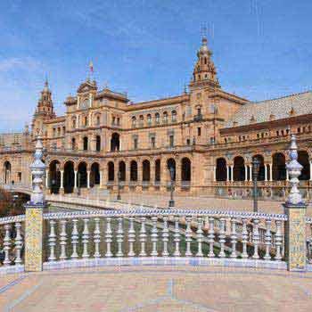 Seville Sightseeing Tour: Royal Alcazar Palace, Seville Cathedral and Santa Cruz Quarter Package