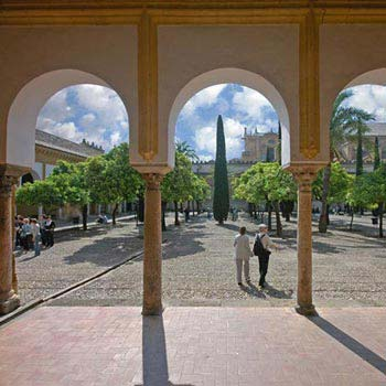 Historical Tour of Cordoba: Mosque, Synagogue and Jewish Quarter Package