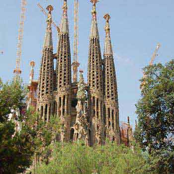 Best of Barcelona Tour Including Sagrada Familia Package