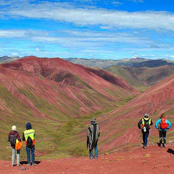 Rainbow Mountain & Red Valley Trek