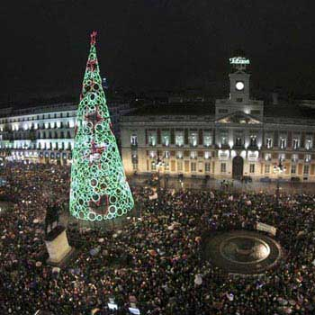 Spend a Wonderful Madrid and Salamanca Gourmet New Year´s Eve Tour
