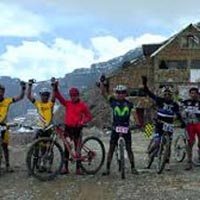 Mountain Biking Chacaltaya – Zongo 1 Day Tour