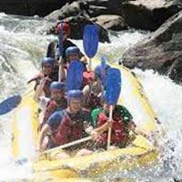 Foaming Fury – Half Day Rafting Barron River Package
