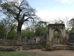 1 Day Gede Ruins Tour Package