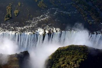 9 Day Cape Town, Kruger National Park, and Victoria Falls Safari Package