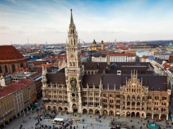 Munich's Highlights Walking Tour Package