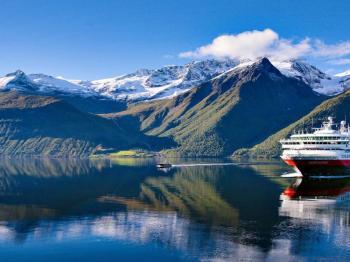 Aurora - 12 Days Finland & Norway - Hurtigruten Cruise Pcakage