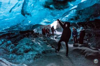 Golden Circle, the Glacier Lagoon and Crystal Caves Package