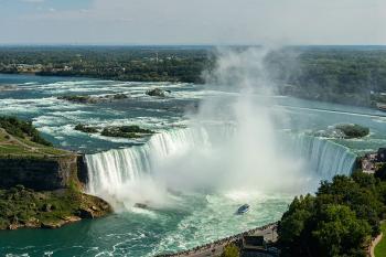 4 Days Canada, Montreal, Ottawa, Toronto, Niagara Falls Tour Package