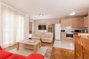 Cosy Apartment with Free Parking in Split Center Package