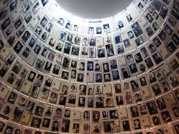 Jewish Heritage Tour with Visit to the Holocaust Memorial