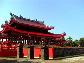 4D Semarang Temple Tour