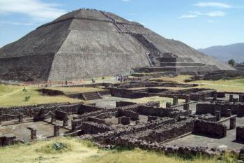 Pyramids Teotihuacan / Basilica De Guadalupe