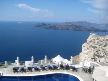 Bare Bones - Crete & Santorini Tour