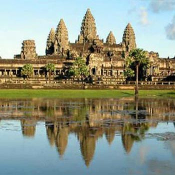 Angkor Wat Sunrise + Small Tour
