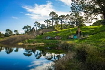 Hobbiton - Waitomo Caves - Rotorua Package