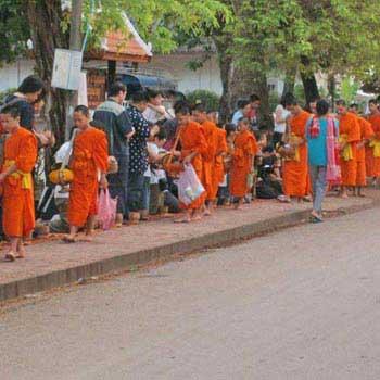 Scenic Laos Vientiane – Xiengkhouang – Luang Pra...