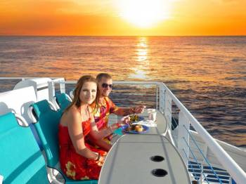 Romantic Sunset & Dinner Cruise Tour