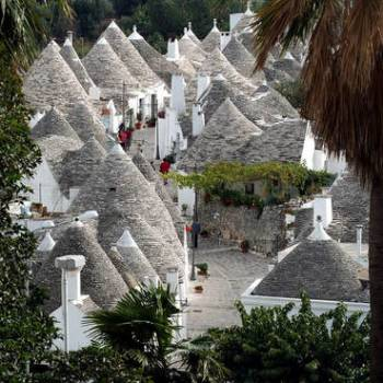 From the Adriatic Sea to the Itria Valley: Polignano a Mare and the Trulli of Alberobello