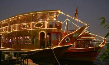 Dubai Dhow Cruise Dinner Deals with Live Shows Tour