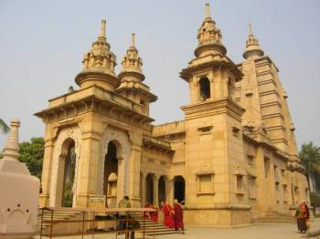 Allahabad, Varanasi & Sarnath Tour 05 Days