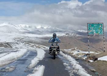Pangong Lake Motorbike Tour