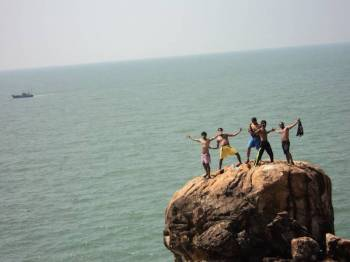 Gokarna Beach Trek and Beach Camping Tour