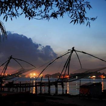 Hill Station ,backwater & Beach  Kerala Package