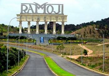 Hyderabad & Ramoji Film City Tour