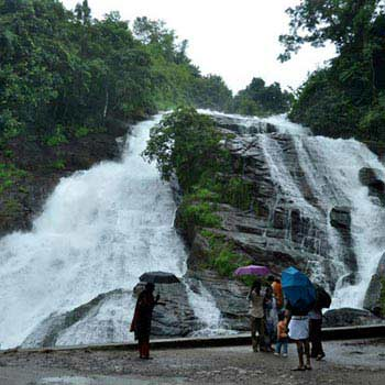 Magical Athirapally with Munnar Tour Package