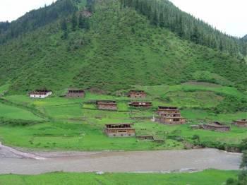 Overland Adventure to Tibet from Chengdu Tour