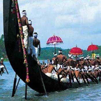 Munnar - Thekkady - Alleppey - Kovalam Tour