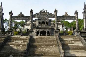 Hue Tour - Nguyen Dynasty's Ancient City and the Perfume River At Sunset