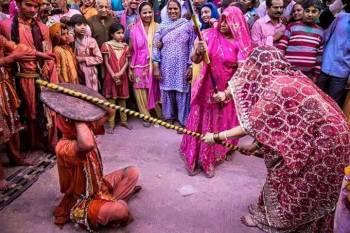 Shri Braj Mandal Lathmar Holi Darshan
