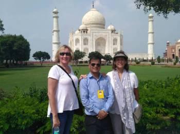 Taj Mahal Tour Guide Service