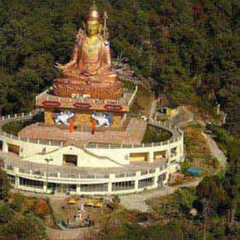 Thrilling Sikkim Tour Package : Gangtok, Lachen & La...