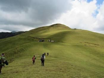 Himalayan Ridge Adventure Tour
