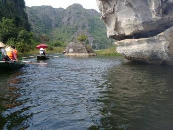 Hoa Lu Ancient – Tam Coc Boat Trip – Bai Dinh Pagoda – Kim Son Traditional Craft Village