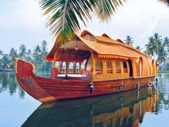 Kerala Delight with Air Fare