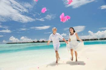 Maldives - Paradise Island Resort Tour