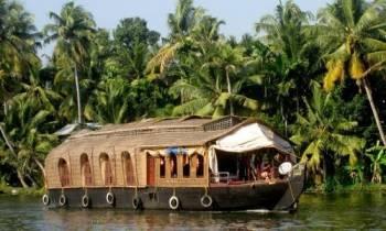 Munnar – Thekkady - Alleppey – Cochin Tour