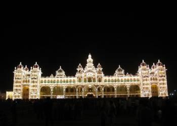 Srirangapatna-Mysore Palace-St.Philomina's Church-Chamundi Hills-Zoo-Brindavan Gardens