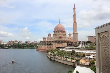 Shah Alam - Putrajaya Tour